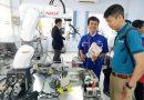 Cánh tay Robot công nghiệp tại nhà xưởng