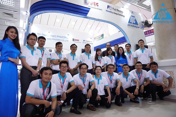 Lãnh đạo và nhân viên Hạo Phương tại triển lãm