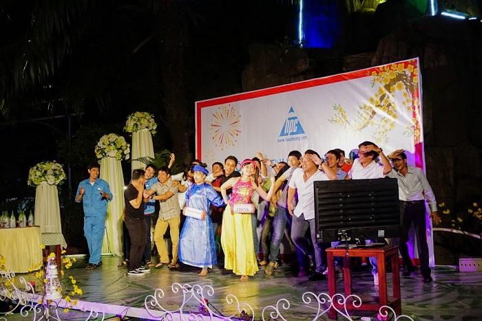 Hạo Phương tổ chức tiệc tất niên 2017, ảnh 11