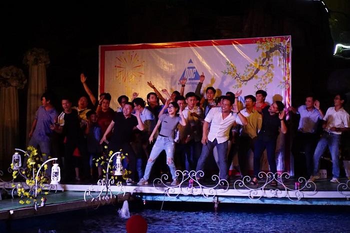 Hạo Phương tổ chức tiệc tất niên 2017, ảnh 12