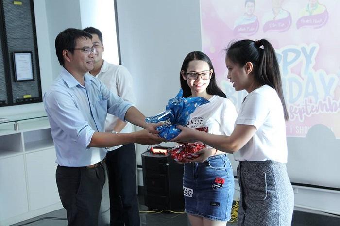 thanh viên được nhận quà thắng cuộc