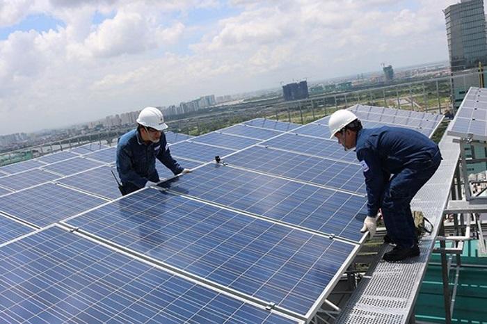 phát triển điện mặt trời nối lưới trên mái nhà