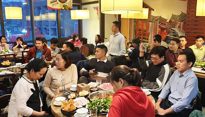 Chi nhánh Hà Nội tổ chức tiệc