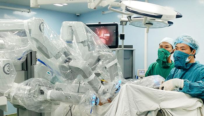 robot phẫu thuật cho người lớn 3