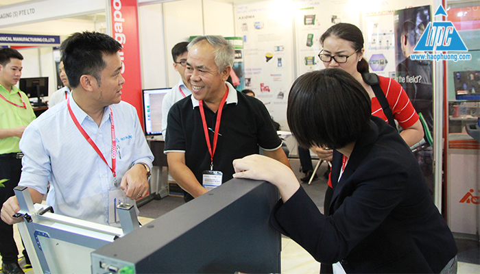 Phó chủ tịch C.P Group ghé thăm gian hàng Hạo Phương 1