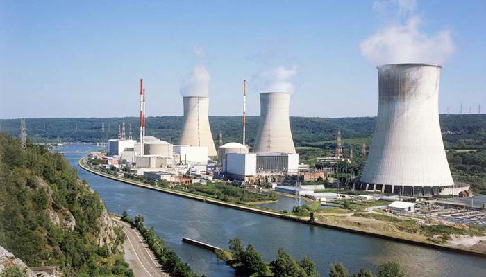 Nhà máy điện hạt nhân thường đặt gần nguồn nước lạnh