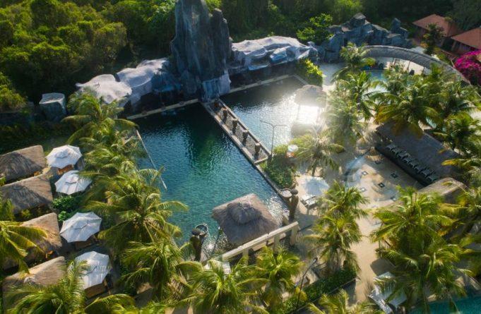 Khu du lịch nước nóng Bình Châu