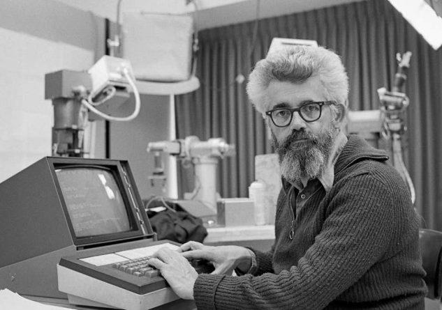 John McCarthy - nhà khoa học máy tính