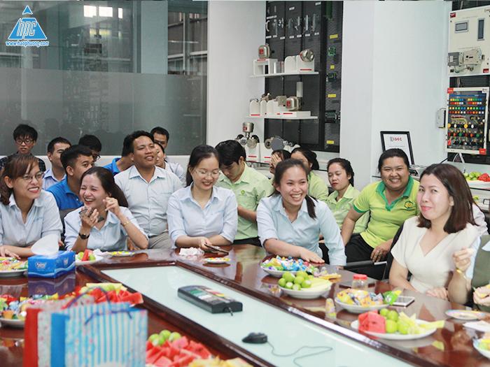 Hạo Phương tổ chức sinh nhật và mini game tháng 11
