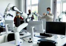 Robot hoạt động hiệu quả nhớ sự phát triển công nghệ của Đức