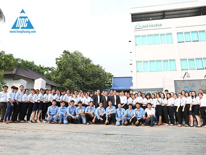 Tập thể nhân viên Công ty Cổ phần Hạo Phương