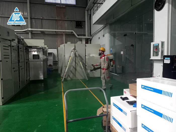 Hạo Phương tích cực thực hiện biện pháp phun tiêu độc, khử trùng tại công ty