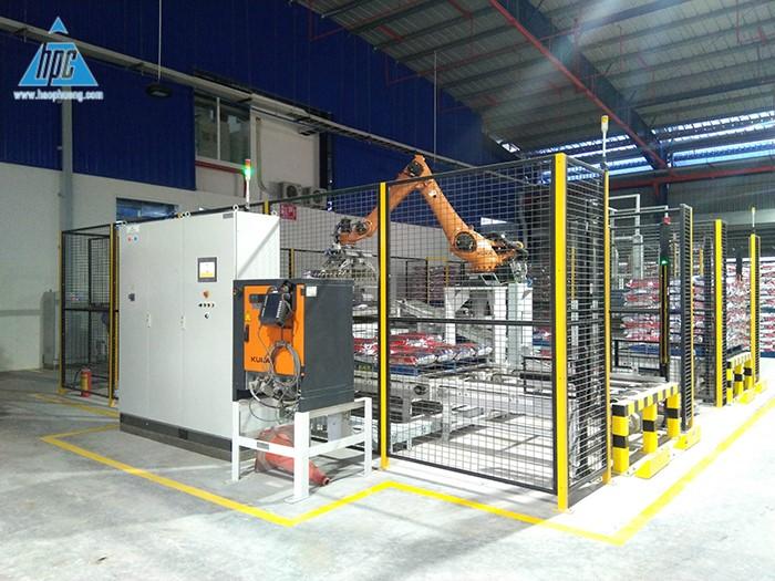 Tận dụng khả năng hoạt động bền bỉ 24/7 của Robot Palletizing vào khâu xếp bao thành phẩm